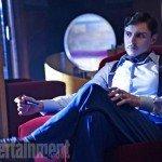 Evan Peters (James March, costruttore dell'hotel e suo primo proprietario)
