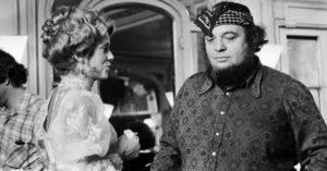 """Catherine Deneuve e Marco Ferreri sul set di """"Non toccare la donna bianca"""" (1974)"""