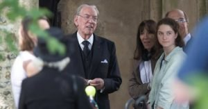 Donald Sutherland sul set di Trust © Daily Mail
