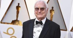 Oscar 2018: Ivory con il ritratto di Chalamet sulla camicia
