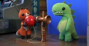 film per bambini lost and found volpe dinosauro crochet