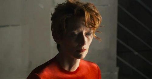 "Almodóvar e Tilda Swinton: una clip da ""The Human Voice"", a Venezia 2020"